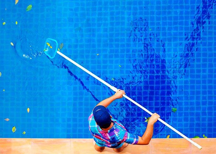 Limpieza de piscinas Serpasat