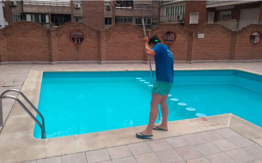 socorrista de piscina